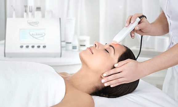 Light therapy treatment at the Woolley Grange Hotel spa in Bradford on Avon